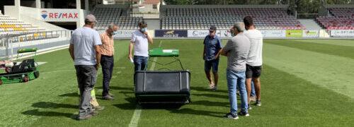Novos equipamentos de corte para campos de futebol